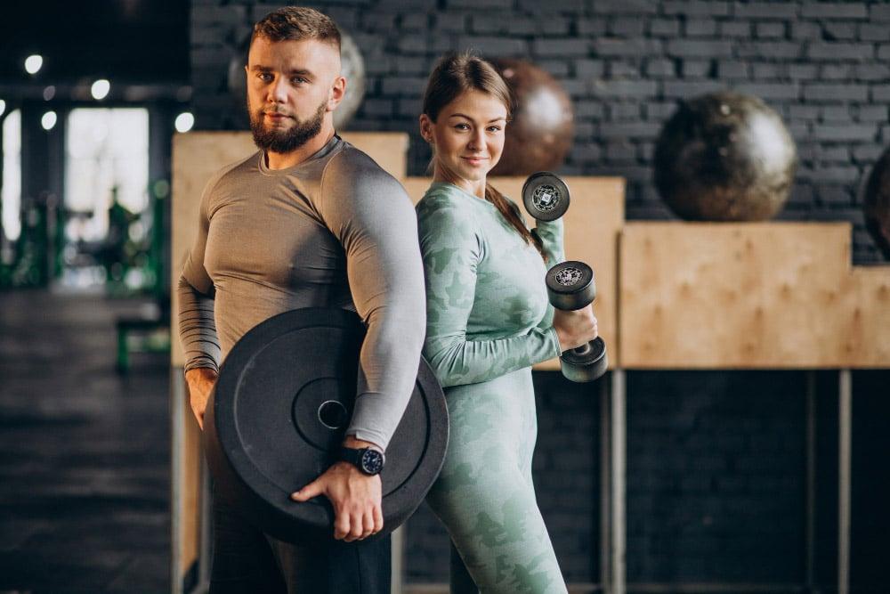 Cuplu in sala de antrenament